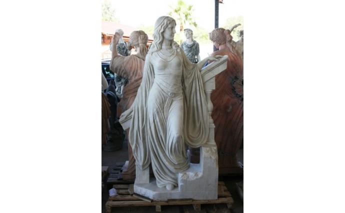 Скульптуры и Архитектурные изделия - Образ римской аристократки