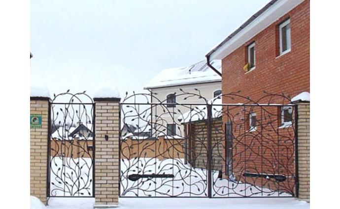 Кованые ворота - Распашные ворота с калиткой 17