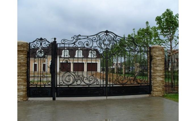 Кованые ворота - Распашные ворота с калиткой 19