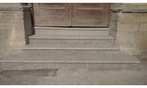 Лестницы  из гранита - Облицова крыльца парадного входа Кингисепским известняком