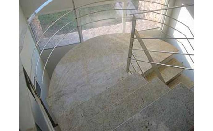 Лестницы  из гранита - Гранитная лестница Kashmir White