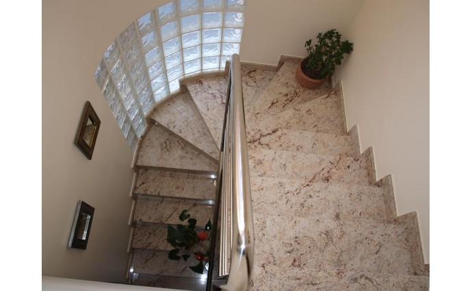 Лестницы  из гранита - Гранитная лестница Ivory Broun