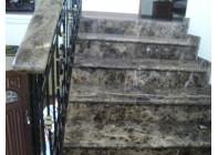 Мраморная лестница Emperador Dark