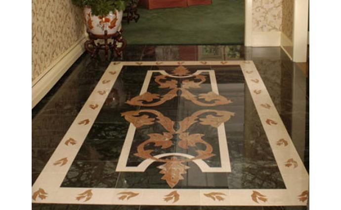Розетки и мозаики из мрамора - Мозаичный пол в вестибюле