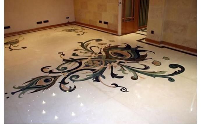 Розетки и мозаики из мрамора - Пол в гостинной