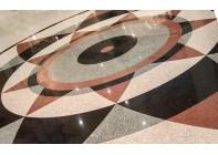 Мозаичный пол из гранита