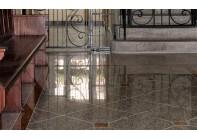 Гранитный пол с вставками и контрастной окантовкой